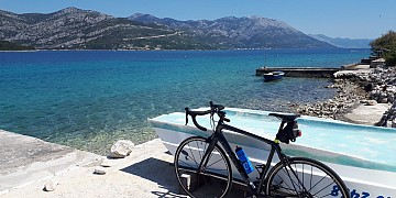 nove_bike_slike/bike_and_korcula.jpg
